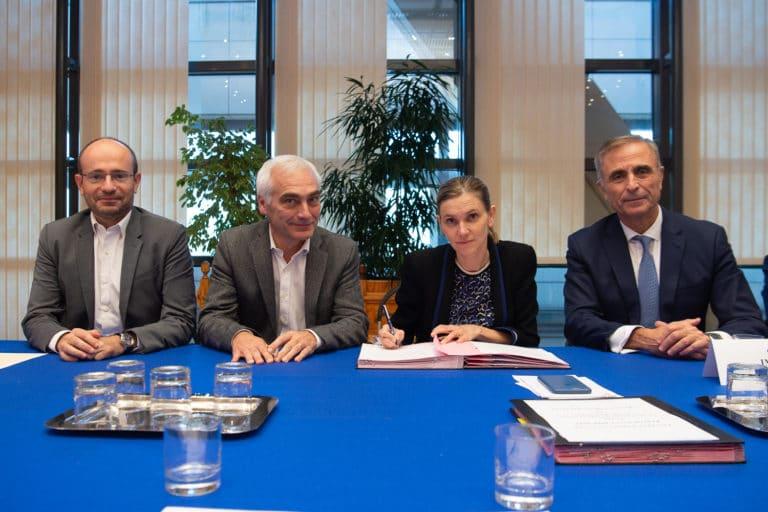 Agnès PANNIER-RUNACHER : Signature des contrats d'objectifs et